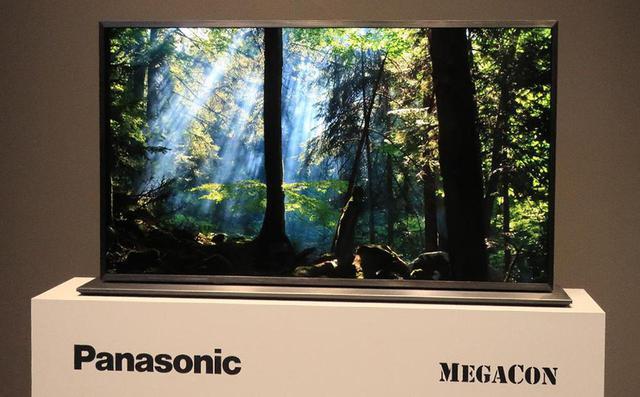 画像: IPS液晶の二枚重ね「MEGACON」ディスプレイ。黒が見事に締まる