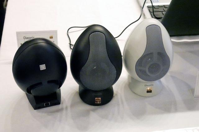 画像: ▲Bluetoothスピーカー「IA-E55BT」。11月下旬の発売だ