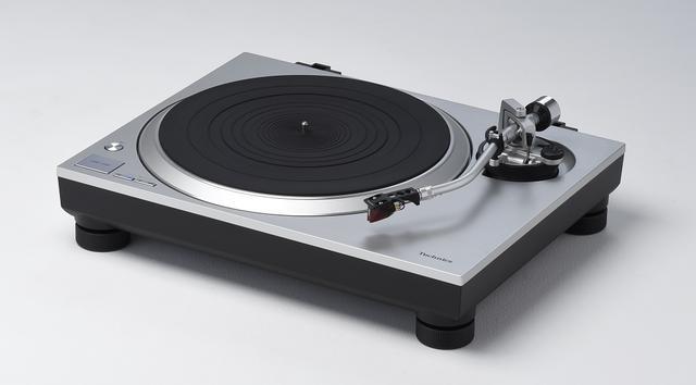 画像2: 性格の異なるレコードプレーヤーの兄弟機が登場。 テクニクス 「SL1200MK7」と「SL1500C」