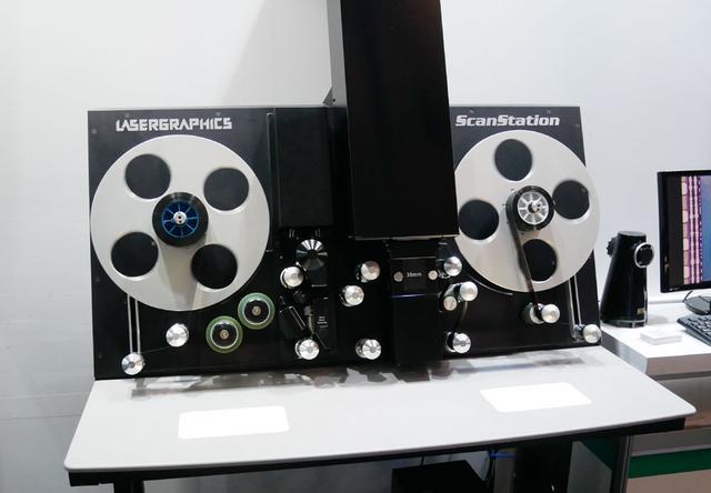 画像: ▲毎年恒例展示のフィルムスキャナー。写真は6.5Kのセンサーを搭載した「ScanStation」で、5Kまでの解像度でスキャニングできる。同社では、10K解像度でスキャニングできる「Director 10K」の取り扱いもあるそう