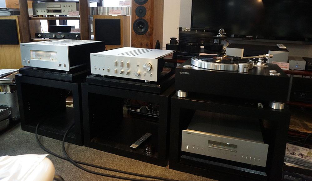 画像: ソース機器はヤマハの5000シリーズで統一。「GT-5000」から「C-5000」「M-5000」はすべてバランス接続されている