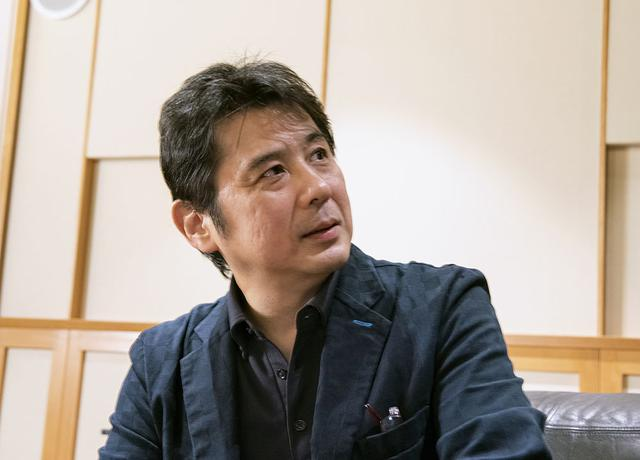 画像: ご自宅でも電源にこだわっているという鈴木 裕さん。E500 for Musicの効果がお気に入りの様子