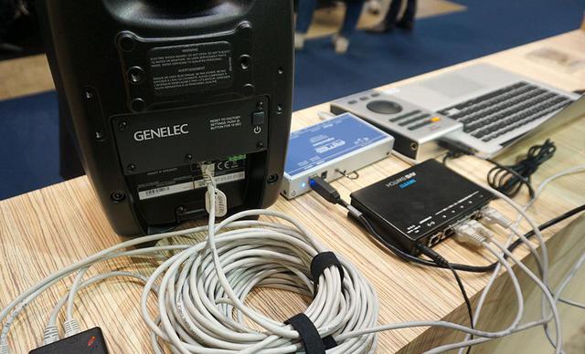 画像: ジェネレックのブースには、LANケーブル1本で電源と音声信号を伝送できるIPオーディオ・アクティブスピーカー「4430」も展示されていた。現在は設備用だが、再生機器が整えばサラウンド用などでも活躍しそうだ