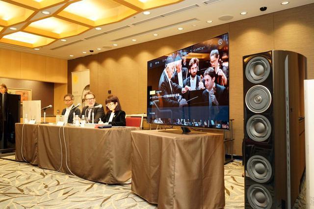 画像: 会場ではパナソニックの4Kテレビおよびテクニクスのオーディオシステムでデジタル・コンサートホールの4K映像がデモンストレーションされた