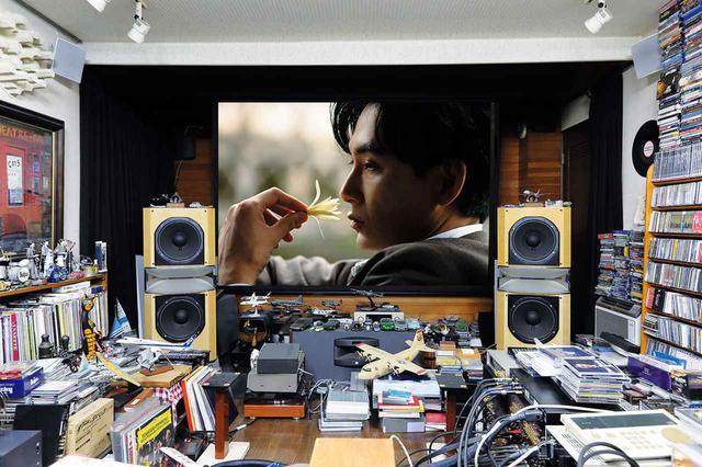 画像: 画面は『ストレンジャー~上海の芥川龍之介~』。1921年、大阪毎日新聞の特派員として上海を訪れた芥川龍之介を描くスペシャルドラマ。12月30日、21時〜NHK BS8K、BS4K、総合テレビで同時放送される。もちろん8K制作にこだわったものだ