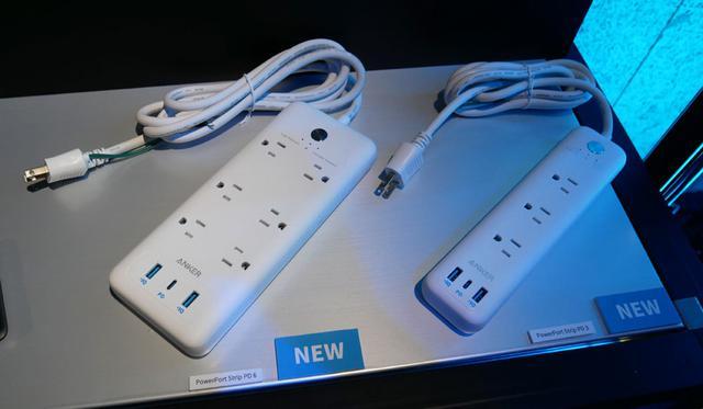 画像: ▲USB PD対応のタイプCポート搭載の電源タップ。右が来春発売モデル。左の6口タイプは試作機?