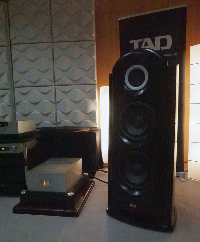 画像: Referenceシリーズが同じ年に2モデル登場したのは驚き。そのTAD-M700とTAD-R1TX