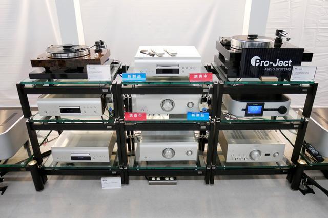 画像: ▲G701の試聴システム。デノン最新のフラッグシップSX1 Limited Editionを存分に楽しめるシステムが組まれていた。リファレンススピーカーは802D3