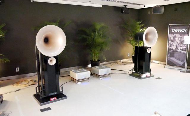 画像: ▲エソテリックブースの試聴システムのメインスピーカーは「DUO XD」(写真)と「Westminster Royal/GR」