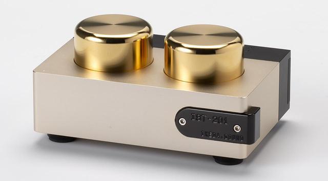 画像: 試聴に使用した昇圧トランス イケダサウンドラボズ IST201 ¥267,000 ●入力端子:1系統(RCAアンバランス)●利得:26dB●入力インピーダンス:1Ω〜6Ω●負荷インピーダンス:47kΩ以上●寸法/重量:W140×H65×D95mm/1.7kg