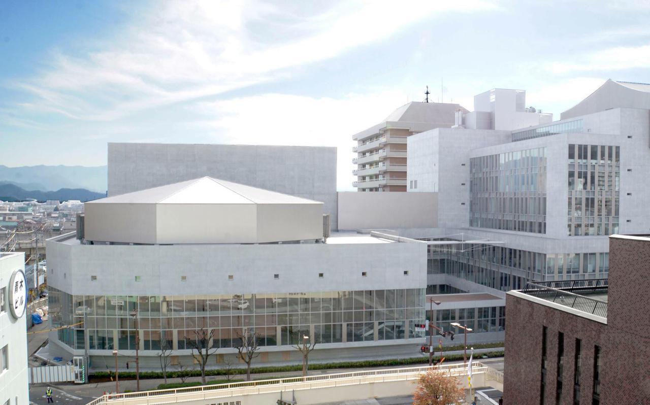 画像: 会場となる長野市芸術館。1階展示サロンが利用される www.nagano-arts.or.jp