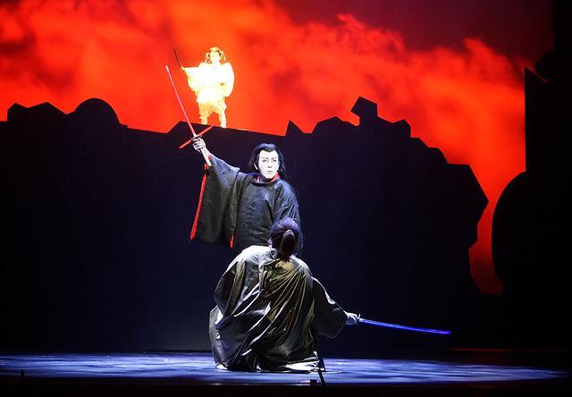 画像6: 『スター・ウォーズ/スカイウォーカーの夜明け』公開を記念して、『スター・ウォーズ歌舞伎』が一日限りの上演。SF映画と歌舞伎の見事な融合を果たしていた