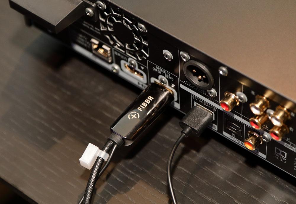 画像: 山本邸に新たに導入された光変換HDMIケーブル、FIBBR「Pure2」。10mの定価は¥70,000(税別)
