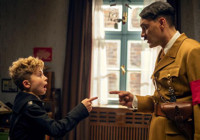 画像: 主人公ジョジョを演じられる少年を探して1,000本以上のオーディションテープを見、世界各国の子役をリサーチしていたワイティティ監督は、ローマン・グリフィン・デイヴィスに出会った瞬間、彼に決めたという