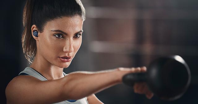 画像: ランニングとスポーツ用の完全ワイヤレスイヤーバッド | Jabra Elite Active 75t