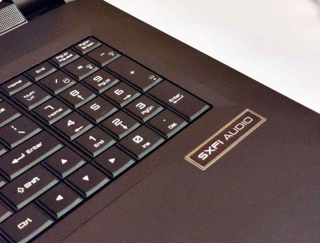 画像: Super X-Fiチップを搭載したCLEVO社のノートパソコンの試作機。日本でも発売される模様だ