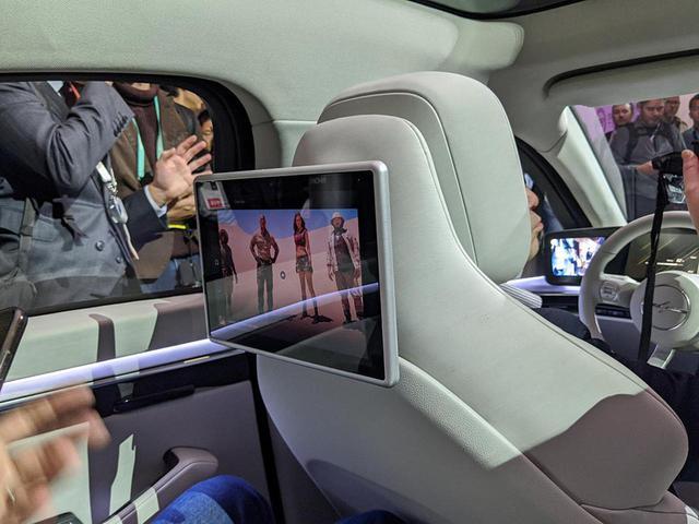 画像1: 【麻倉怜士のCES2020レポート02】これが超話題のソニーのニューカー「VISION-S(ビジョン エス)」だ。その、ディテイルをご覧にいれます