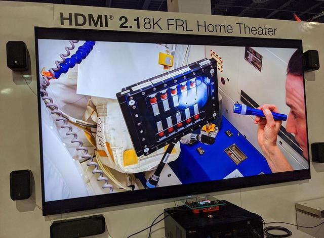 画像: 見事、HDMI2.1で結ばれた8K映像が、サムスンエレクトロニクスの8Kディスプレイに表示