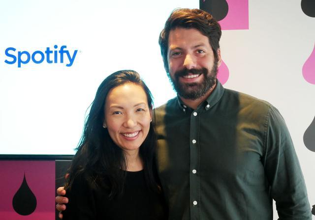 画像: 米Spotifyのアーティストマーケティング担当Jeremy Erlich(右)とMarian Dicus(左)