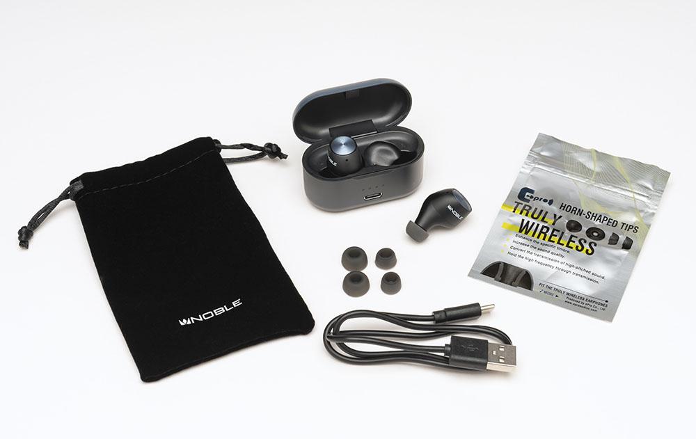 画像: FALCONのパッケージには、本体と充電ケース、ポーチ、イヤーピース(ePro製、S/M/L)、USBケーブルなどが同梱されている