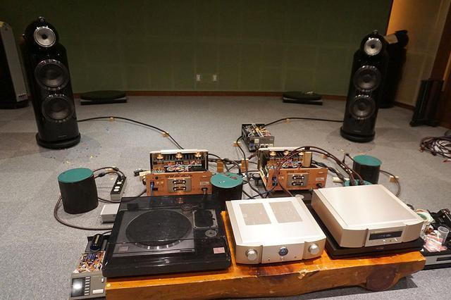 画像: マランツの試聴室で、新製品のパフォーマンスを体験した