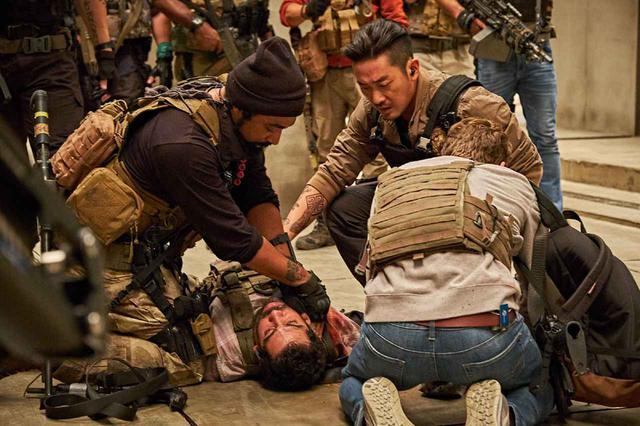画像1: 「ミリタリー・アクション作品『PMC:ザ・バンカー』」の公開(2/28)を記念して、サバゲーYouTuberと軍事ジャーナリストが独自の視点で「PMC」を語る! 対談動画が近日公開!