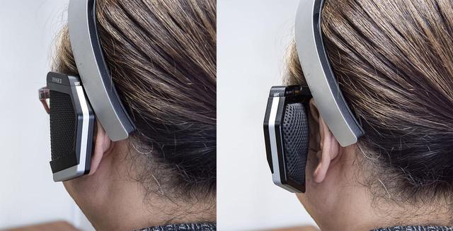 画像: サウンドフレームの開き角度も自由に調整できる。密閉感を高めたい場合は左のように、解放的に聴きたい場合は右のようにできる。再生している楽曲や、気分に応じて調整してみるといいだろう