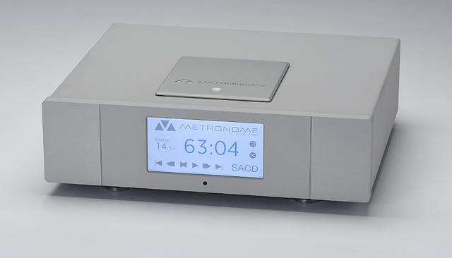 画像: SACD/CD Player メトロノームAQWO ¥2,000,000・税別 ●アナログ出力:2系統(RCAアンバランス:1.4V/2.5V/3.0V、XLRバランス:2.8V/5.0V/6.0V)●デジタル出力:SACD/CD1系統(I²S HDMI)、CD3系統(AES/EBU:XLR、S/PDIF:RCA同軸、TOS光)●デジタル入力:7系統(S/PDIF:RCA同軸×2、AES/EBU:XLR×2、TOS光×2、USB-B)●USB入力対応サンプリング周波数/ビット数:PCM・~384kHz/32bit、DSD・~22.4MHz●寸法/重量:W425×H130×D415mm/15kg●備考:写真のシルバー仕上げの他にブラック仕上げあり。オプションで真空管式出力ボード(双3極管6922を2本使用、取付費込¥230,000)あり