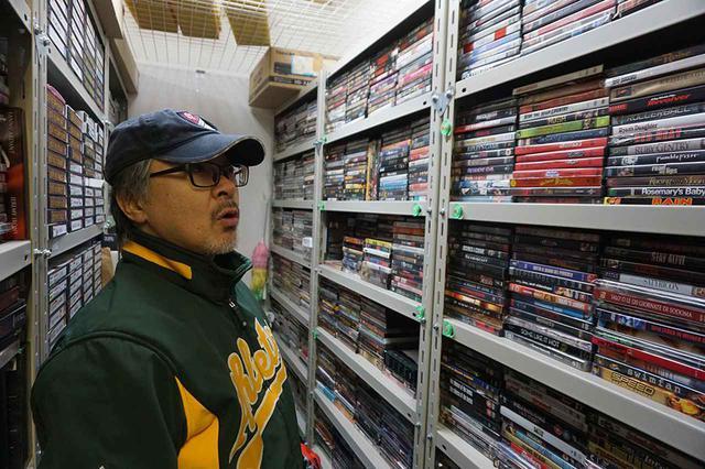画像: 「じっくり調べると、かなり貴重なディスクもあるんですが……」と堀切さん