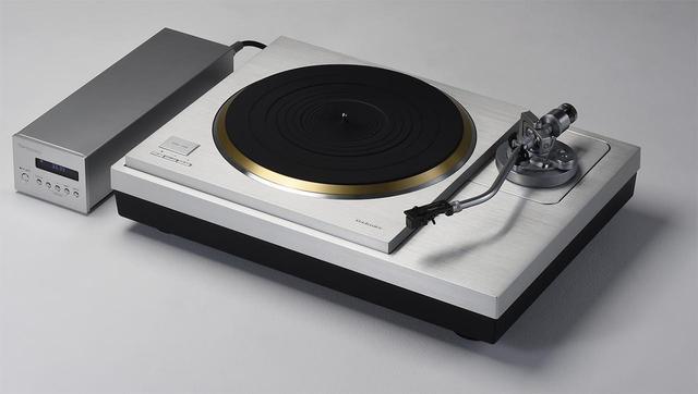 画像: 試聴に使用したレコードプレーヤー テクニクスSL1000R ¥1,600,000