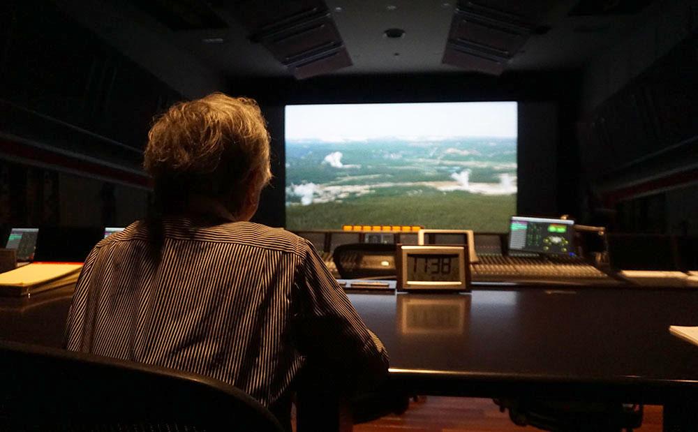 画像: BS4K8K放送で22.2chでオンエアされたコンテンツをドルビーアトモスに変換した素材を視聴している