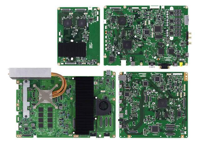 画像: X2/XE2シリーズに搭載されたCELLレグザエンジンは基板構成から一新されている。バックライトエリアコントロールや超解像処理はもちろん、動き、構図、人の顔といった情報から奥行感を演出する独自の2D3D変換も新搭載。変換画像だと言われなければ気がつかないほどの3D再生を目指したという