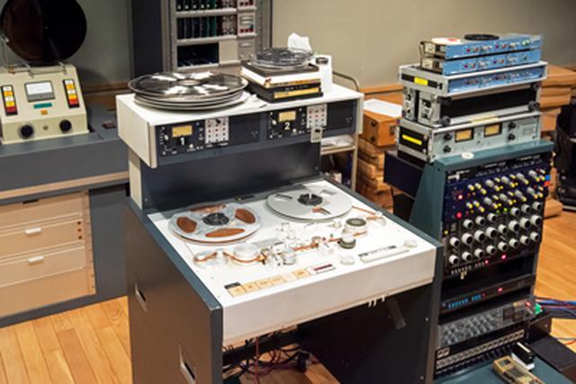 画像: 本作の制作のために使用されたアナログ素材用のマスターレコーダーは、調整の行き届いた「スチューダーA80」。SACDはマスター素材から音調整を施した上でダイレクトにDSD 2.8MHz化、CDはDSDからのダウンコンバートではなく、再度マスターテープを再生して器に相応しいマスタリングが新たに施されています。 www.stereosound-store.jp