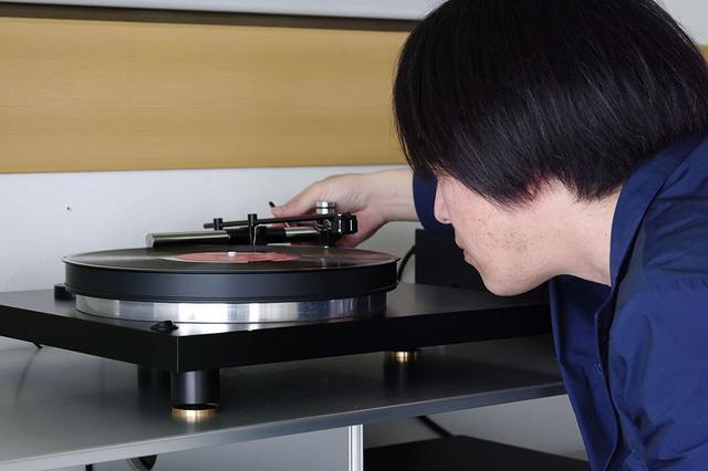画像: レコードプレーヤーには、リニアトラッキング&エアーベアリングを搭載した「Holbo」を使用