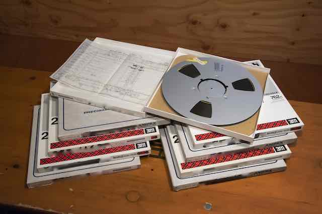 画像: 良好なコンディションで保存されていたアナログ・マスター。9本の中から16曲がDSD化された