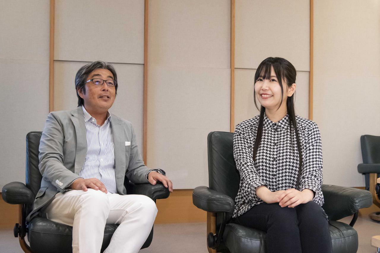画像: オーディオ評論家の山本浩司さん(左)と、声優の小岩井ことりさん(右)