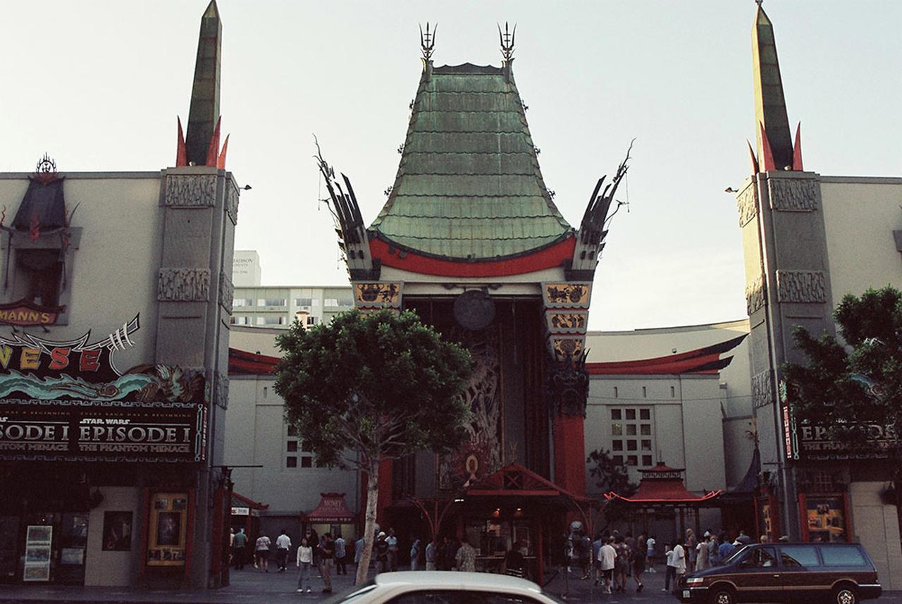 画像: 1999年、『エピソード1』公開時のチャイニーズシアター