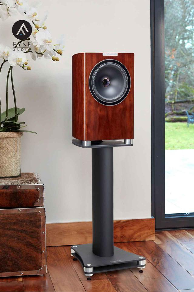 画像: FyneAudio、200mm径のポイントソース・ドライバーを搭載したブックシェルフ型スピーカー「F701」を1月下旬に発売。ピアノグロス仕様で3色をラインナップ - Stereo Sound ONLINE