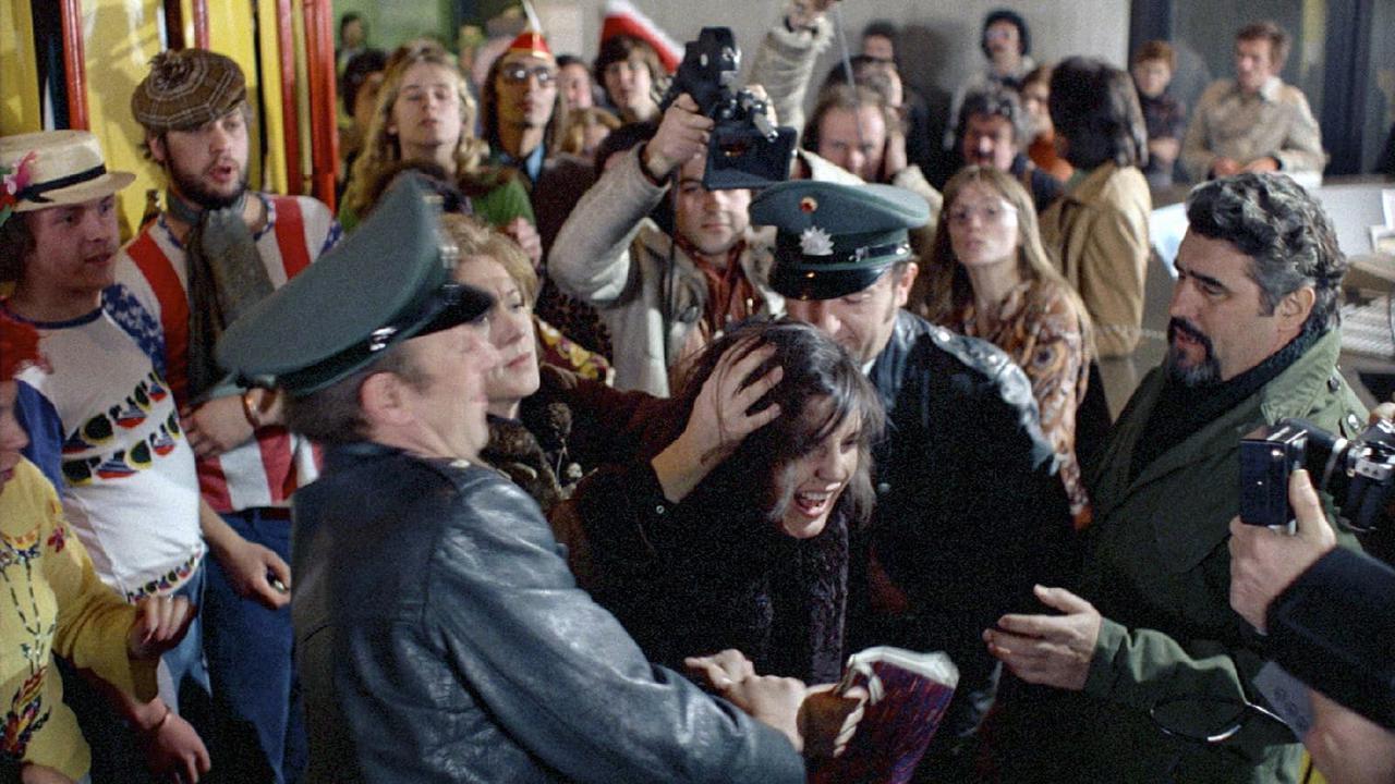 画像2: フォルカー・シュレンドルフ&マルガレーテ・フォン・トロッタ監督作『カタリーナ・ブルームの失われた名誉』【クライテリオンNEWリリース】
