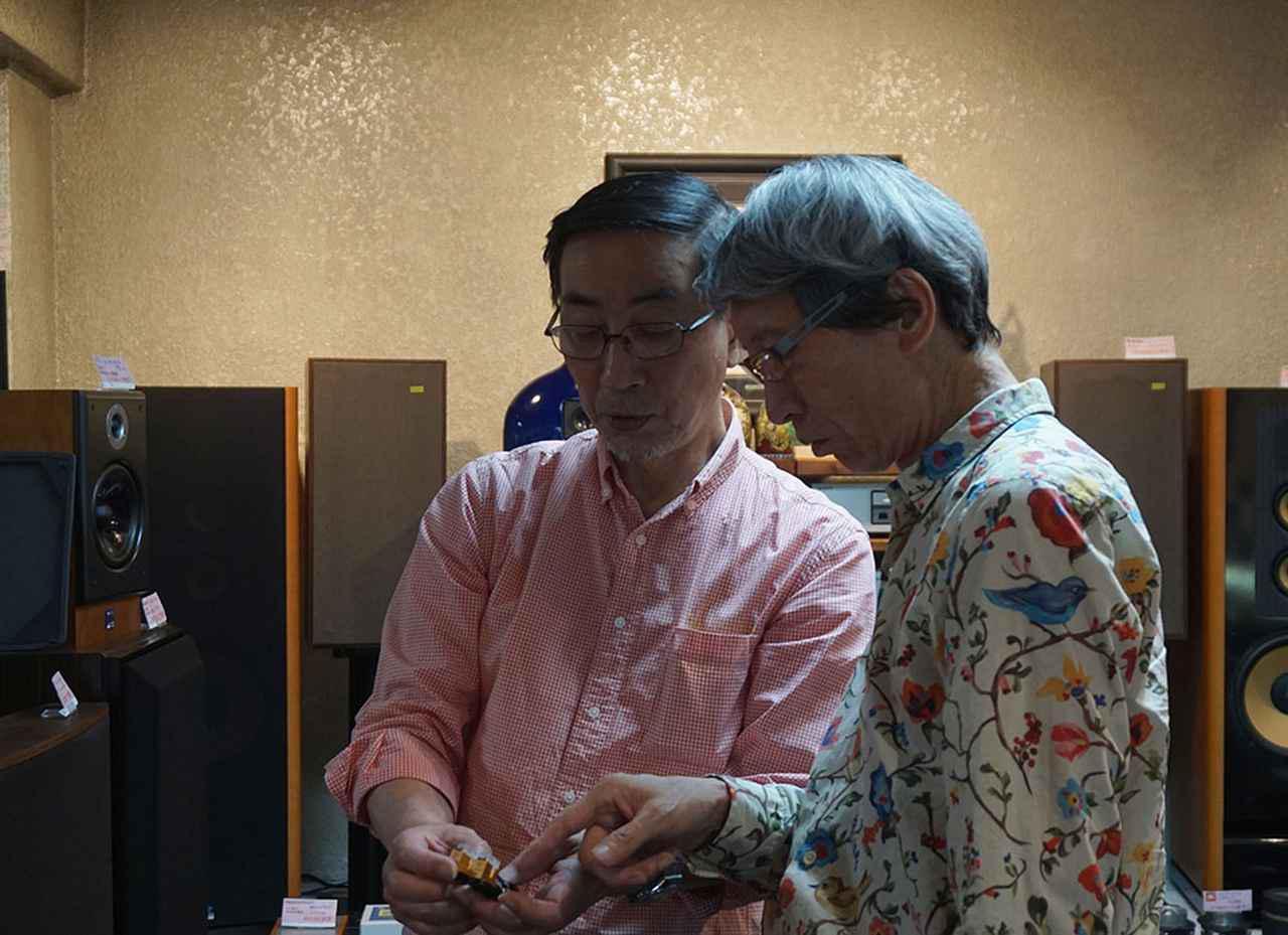 画像: アナログレコードのセッティングやオペレーションは、カジハラ・ラボの梶原弘希さんにご協力いただいている