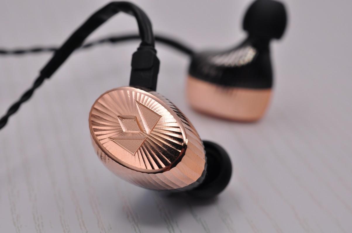 画像: Noble Audio製ユニバーサル・インイヤーモニター「Kaiser Encore Brass Limited Edition」発売のご案内 – Noble Audio Japan