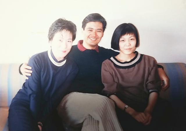 画像: チョウ・ユンファ(中央)と金子裕子さん(右)