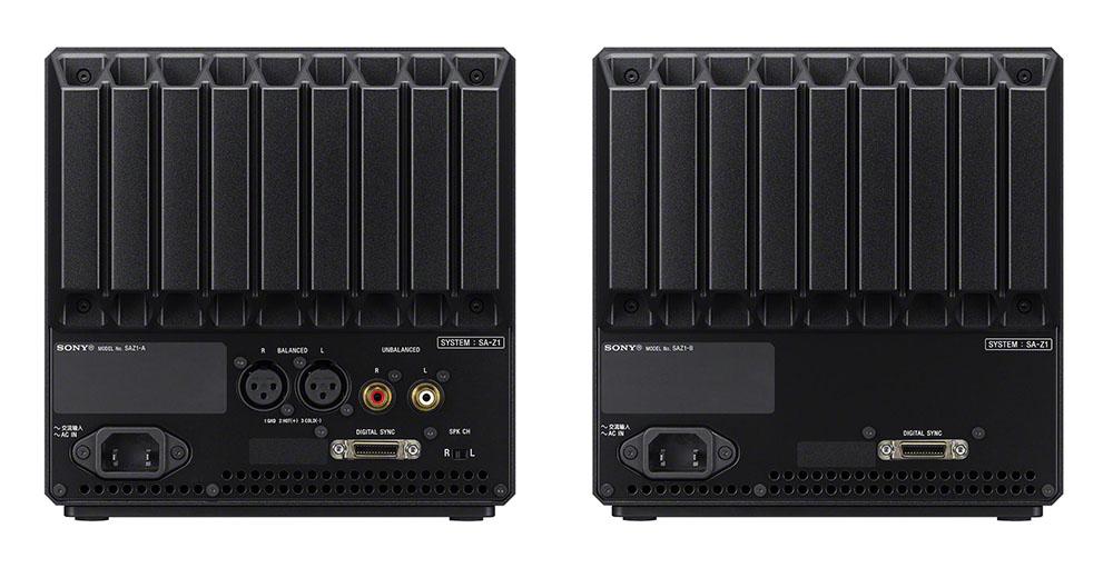 画像: 入力端子は右スピーカーに搭載される。左右のスピーカーは付属のデジタル同期ケーブルでつなぐ仕組みで、電源はそれぞれに必要だ