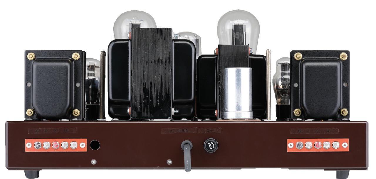 画像: リアビュー。スピーカー端子はネジ留式で、4、8、16Ωで独立している。