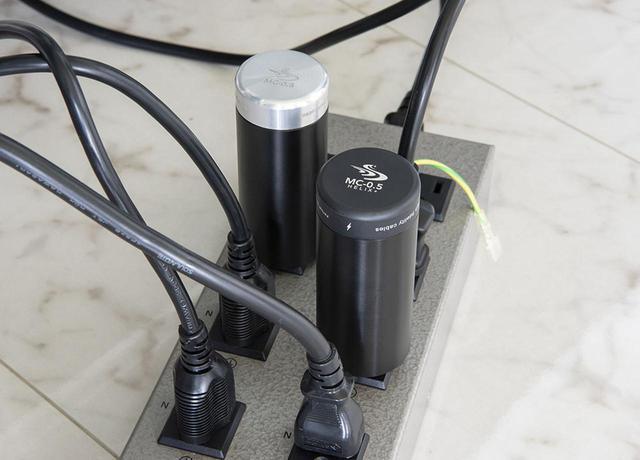"""画像: """"一聴して音が濃い!"""" High Fidelity Cablesの電源アクセサリー「MC-0.5」と「MC-0.5 Helix +」を試して、音がよくなっていく過程をじっくり味わった - Stereo Sound ONLINE"""