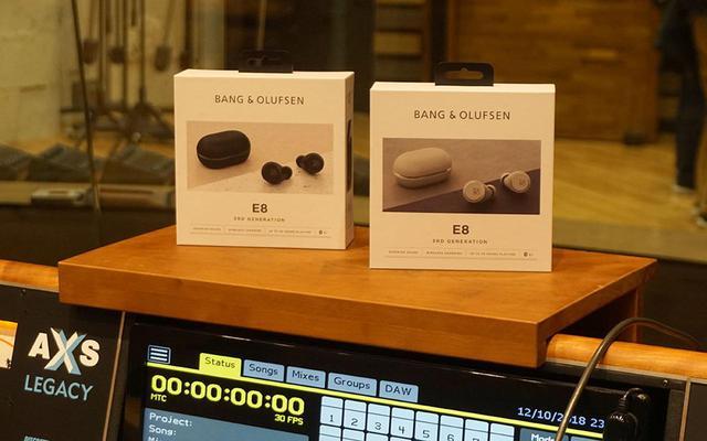 画像: B&Oの完全分離型Bluetoothイヤホン「E8 第三世代」は、小さなサイズで自然な低域再現を実現していた。毎日持ち歩きたいかわいいフォルムも魅力 - Stereo Sound ONLINE