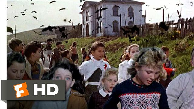 画像: Crows Attack the Students - The Birds (6/11) Movie CLIP (1963) HD www.youtube.com