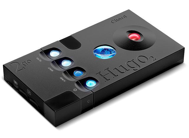 画像: コード 2go(左部)を単体DAC Hugo2(右部)にドッキングした状態。Hugo2本体は別売り。実勢価格30万円前後