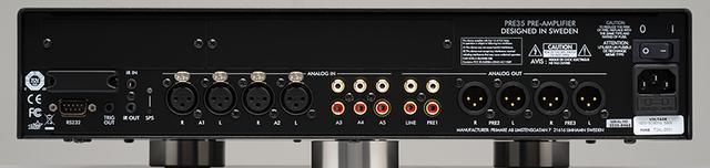 画像: ↑PRE35はバランス・アンバランス合わせて5つのアナログ入力端子を持つ。オプションモジュール(ひとつ¥75,000+税)で、デジタル入力やネットワー クプレーヤー機能を追加することも可能だ