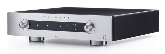 画像: PRIMARE CONTROL AMPLIFIER PRE35 ¥400,000+税 ●接続端子:アナログ音声入力5系統(XLR×2、RCA×3)、アナログ音声出力4系統(XLR×2、RCA×2[1系統はライン出力])、他●寸法/質量:W430×H106×D382mm/10.9kg